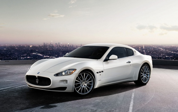 Maserati GranTurismo White (click to view)