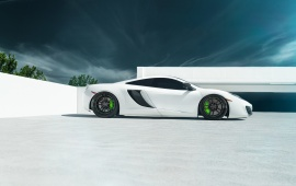 McLaren 12C MP4 White Supercar