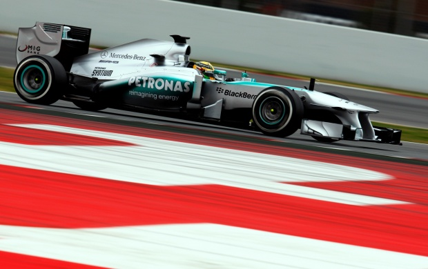 Mercedes AMG F1 W04 (click to view)