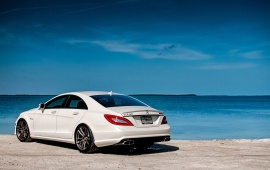 Mercedes Benz CLS63 White Car