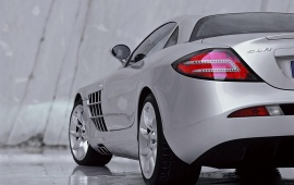 Mercedes Benz SLR McLaren Left
