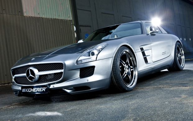 Mercedes Benz SLS 63 (click to view)