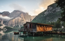 Mountain Lake Cabin