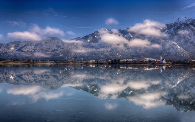 Mountain Lake Reflection In Winter (click to view)