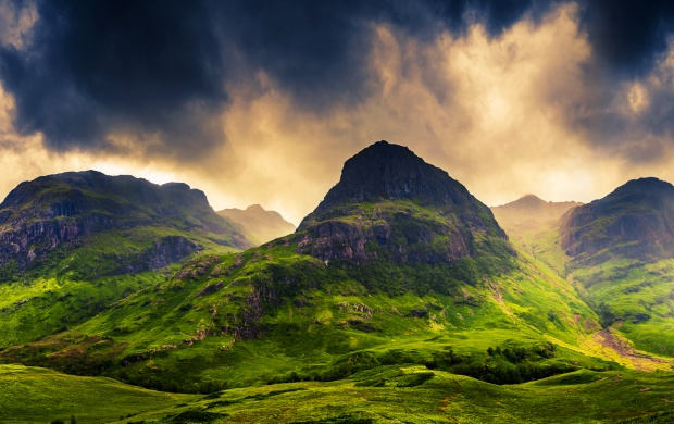 Mountains Clouds Sky Scotland (click to view)