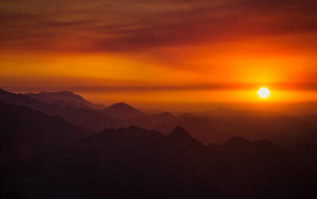 Mountains Dawn Suns Rays (click to view)