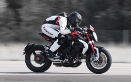 MV Agusta Brutale 800 First Ride 2016