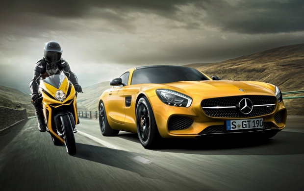 MV Agusta F3 800 And Mercedes-AMG GT (click to view)