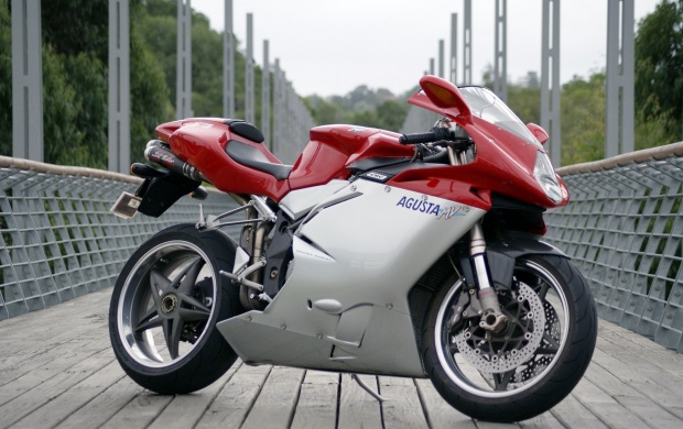 MV Agusta F4 750 (click to view)