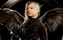 Natalie Dormer In Hunger Games Mockingjay Part 1