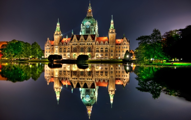 New City Hall Hanover Germany (click to view)