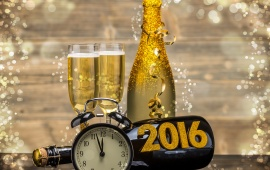 New Year Golden Champagne 2016