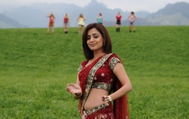 Nisha Agarwal Red