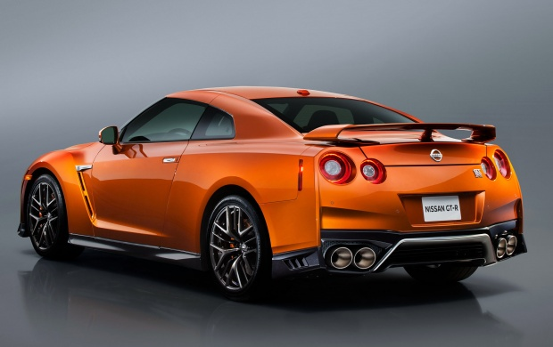 Nissan GT-R 2017 (click to view)