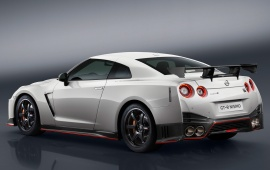 Nissan GT-R Nismo 2017 Rear View