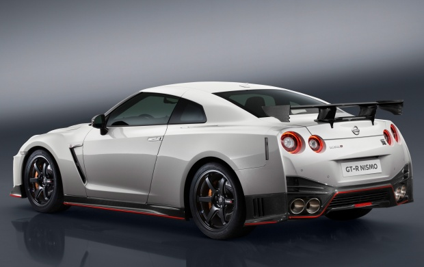 Nissan GT-R Nismo 2017 Rear View (click to view)