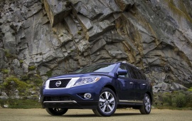Nissan Pathfinder Blue Jeep