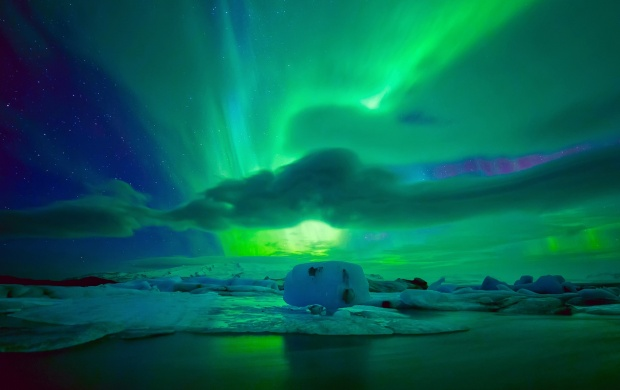 Northern Night Lights Sky And Ice Floe (click to view)