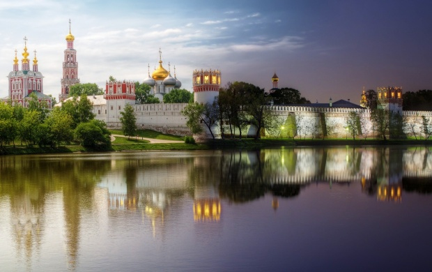 Novodevichy Convent In Summer (click to view)