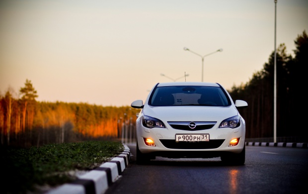 Opel Astra (click to view)