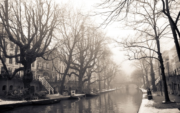 Oude Gracht Misty Utrecht Winter (click to view)