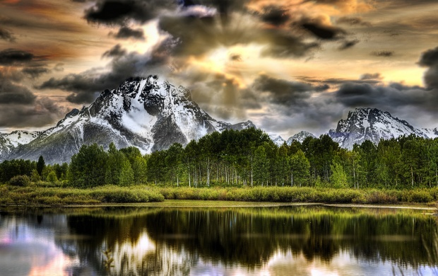 Oxbow Bend Lake And Mountains, Grand Teton Nationa (click to view)