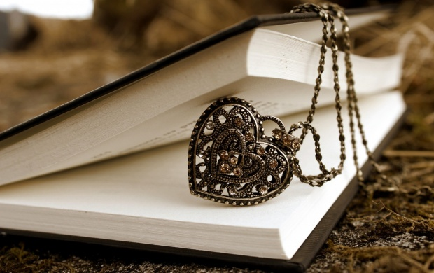 Pendant Heart Book Chain (click to view)