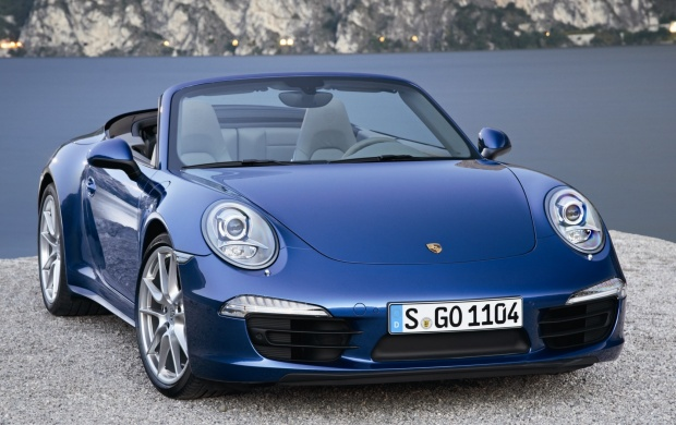 Porsche 911 Carrera And Lake (click to view)