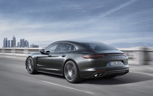 Porsche Panamera Turbo 2017 Click To View