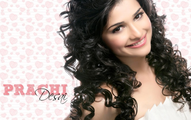 Prachi Desai In Smiling (click to view)