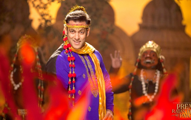 Prem Ratan Dhan Payo Salman Khan Different Look (click to view)