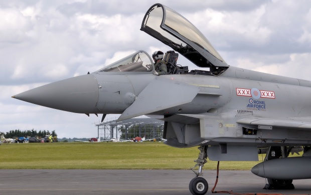 RAF Eurofighter Typhoon (click to view)