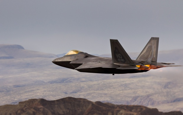 Raptor F-22 Sky At Mountains (click to view)
