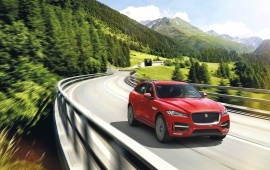 Red Jaguar F-Pace 2017