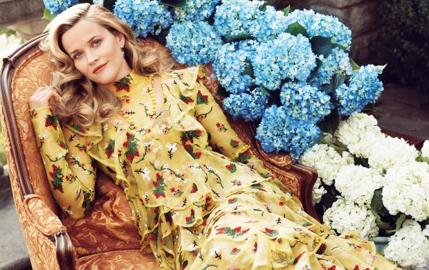 Reese Witherspoon Harpers Bazaar 2016 (click to view)