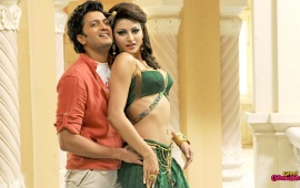 Riteish Deshmukh And Urvashi Rautela In Great Grand Masti Movies