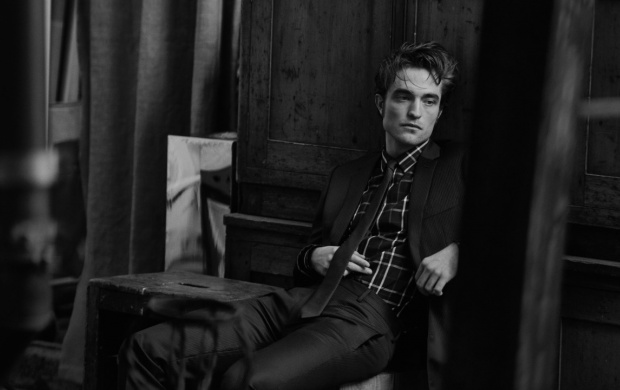 Robert Pattinson Dior 2016 (click to view)
