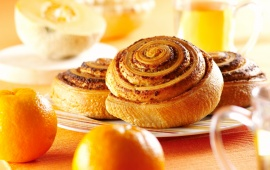 Rolled Bread Product With Chestnut Cream (click to view)