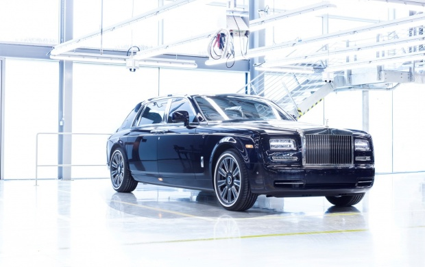 Rolls-Royce Phantom VII 2017 (click to view)