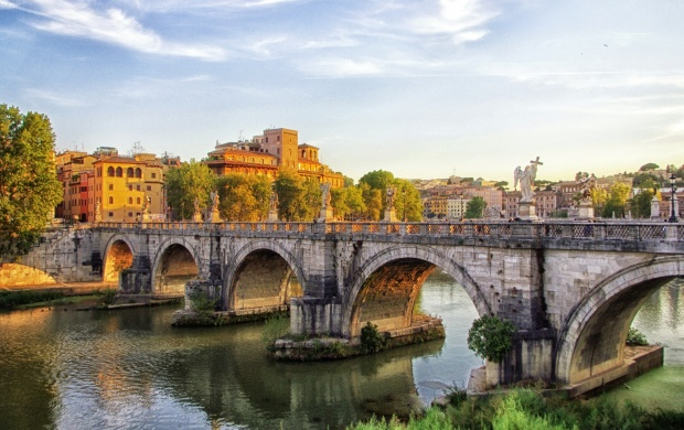 Rome River Bridge House (click to view)