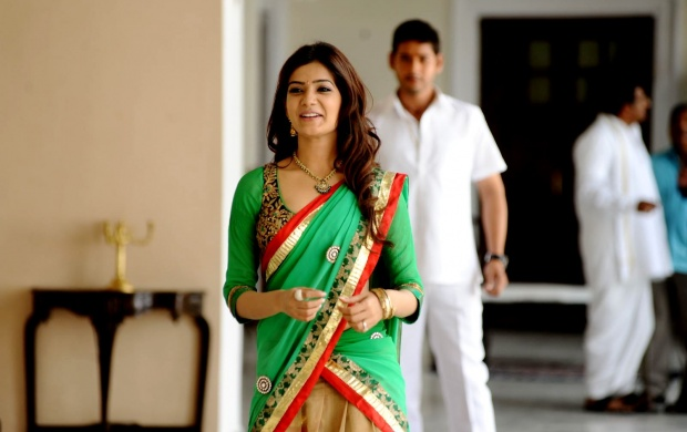Samantha In Green Saree (click to view)