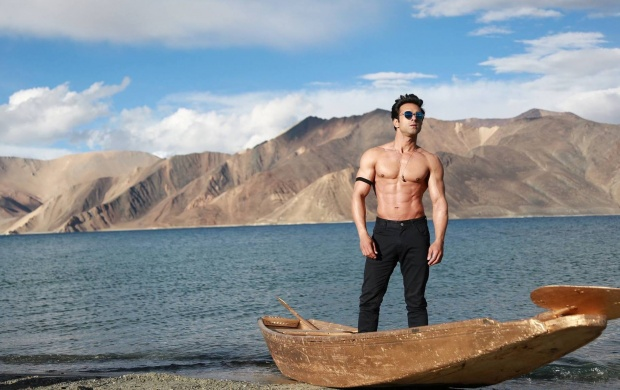 Sanam Re Stills 2016 (click to view)