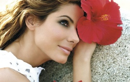 Sandra Bullock With Flower