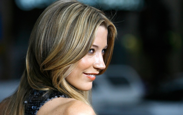 Sarah Roemer (click to view)