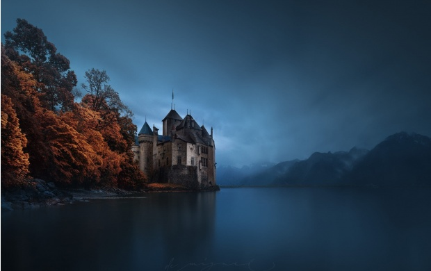 Scary River Castle (click to view)