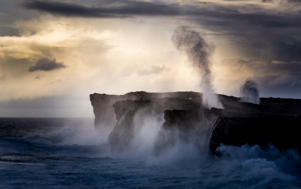 Sea Coast Cliff Spray Water (click to view)