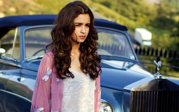 Shaandaar Alia Bhatt New Look (click to view)