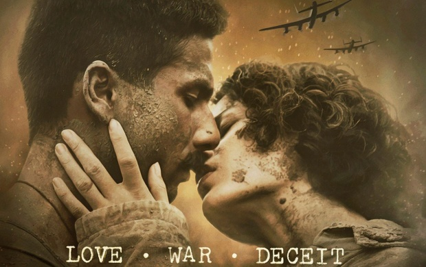 Shahid Kapoor And Kangana Ranaut Kiss In Rangoon (click to view)