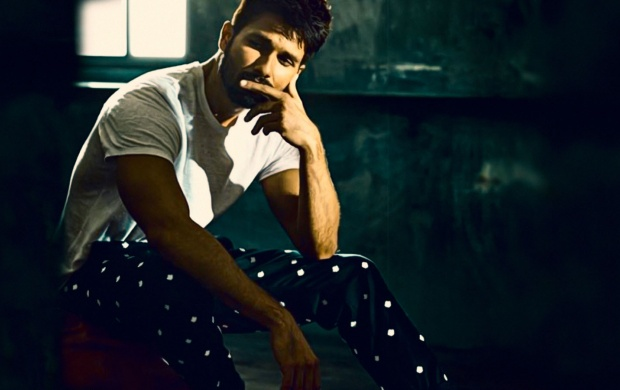 Shahid Kapoor THE Man Magazine December 2016 (click to view)