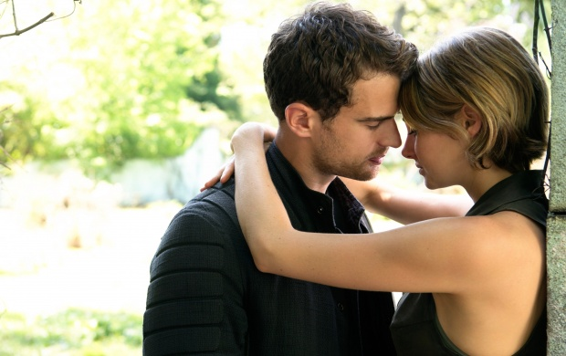 Shailene Woodley And Theo James The Divergent Series Allegiant (click to view)